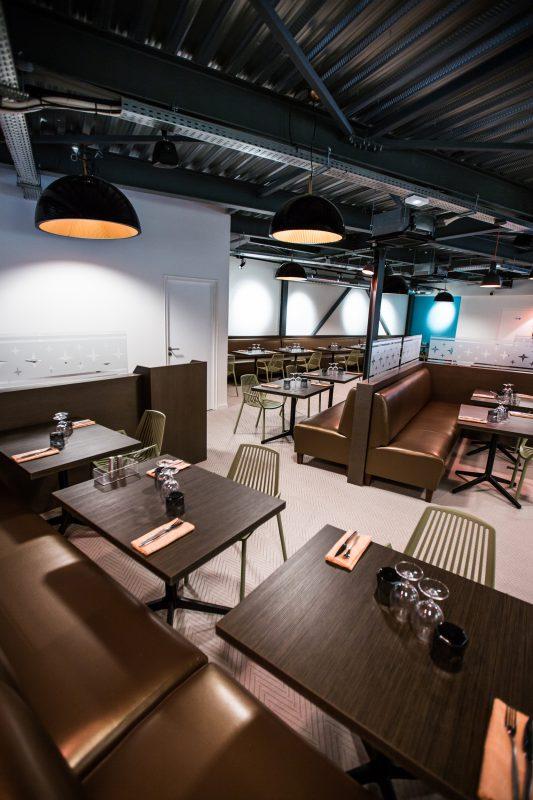 Design d'espace de la salle de restaurant du Crusoé - Athias Architecte