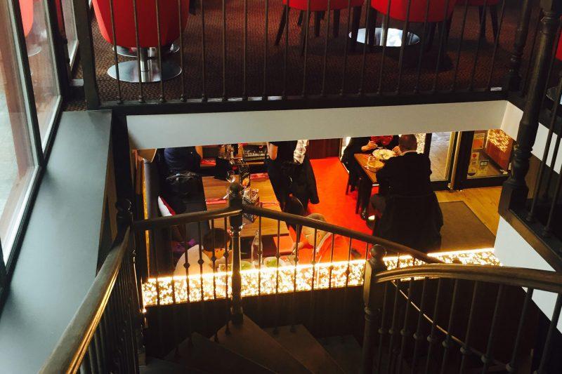 Escalier du restaurant Brochettes & Cie à Dijon - Athias Architecte