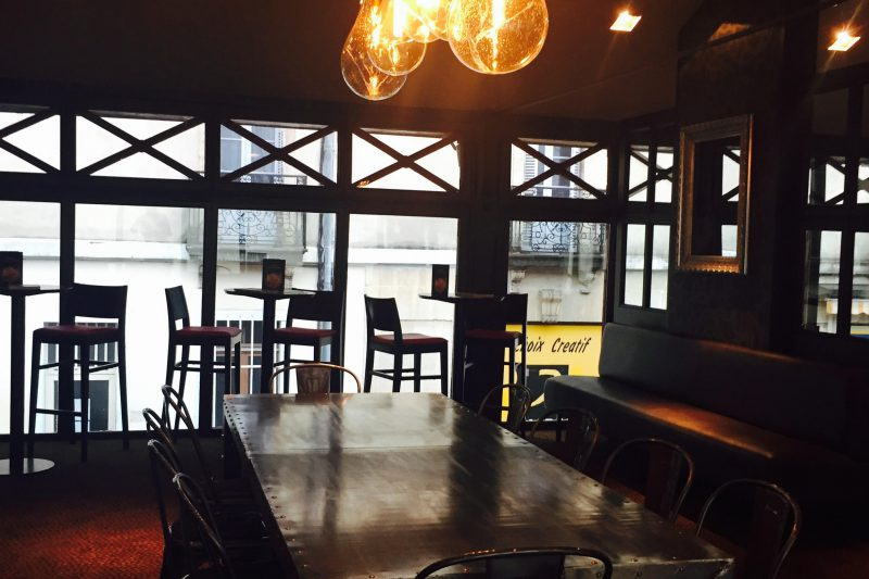 Salle du restaurant Brochettes & Cie à Dijon - Athias Architecte