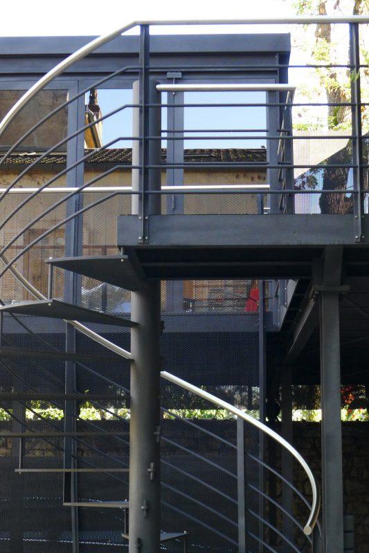 Escalier extérieur du salon d'été - Athias Architecte