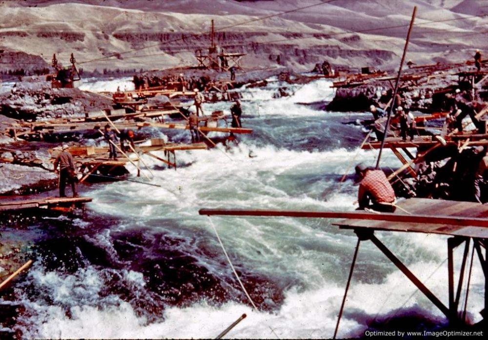 Pêcheurs sur les Chutes de Celilo