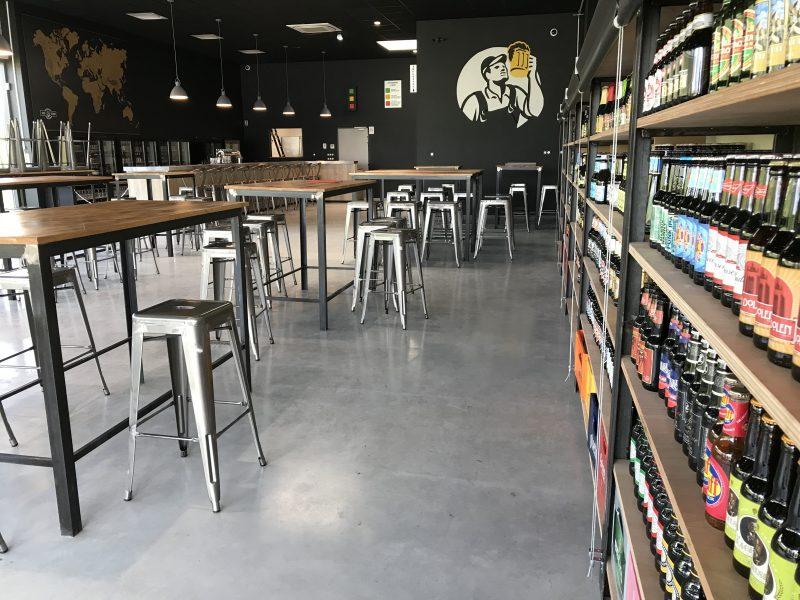 La salle du Beer Factory à Dole